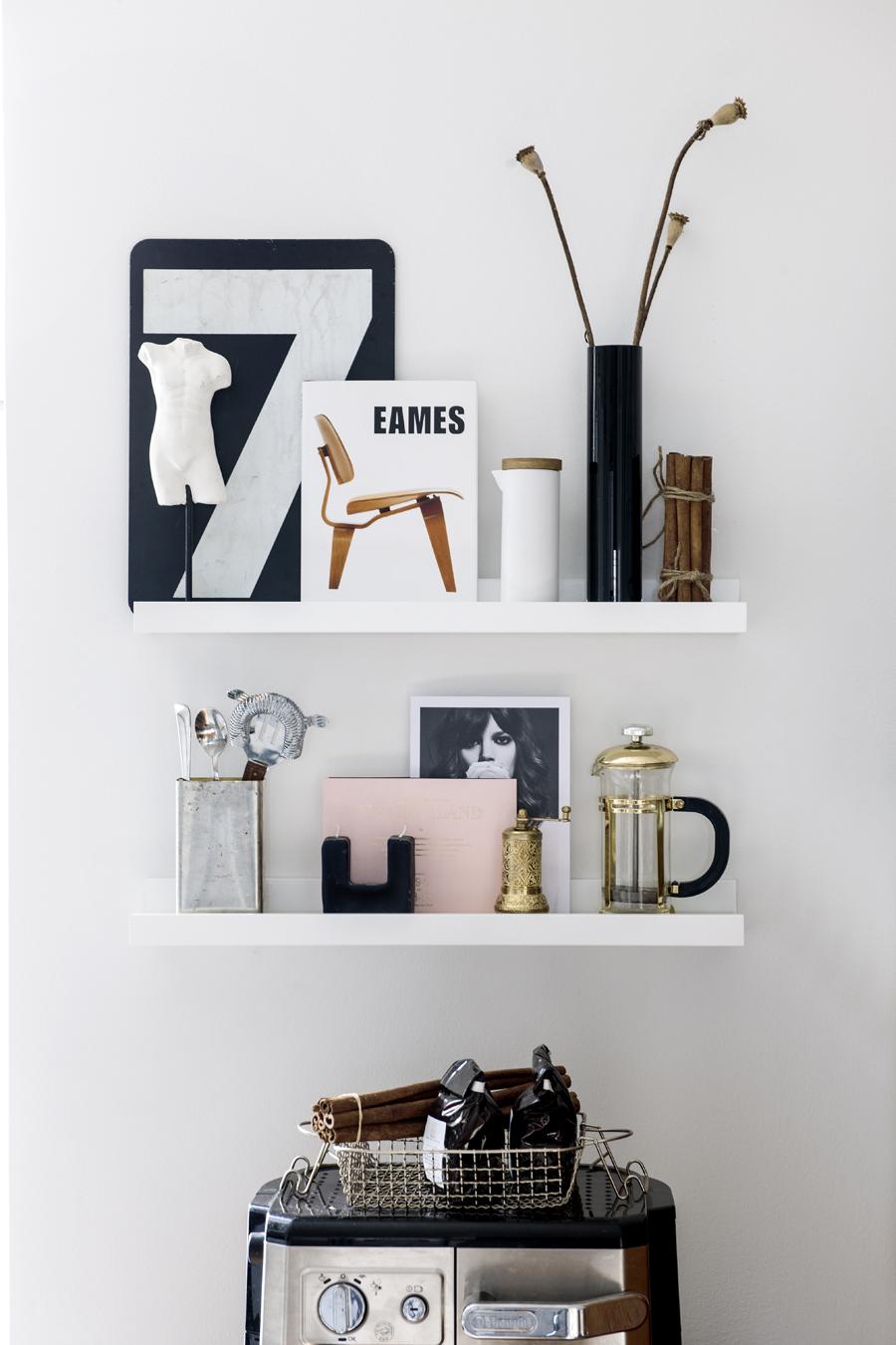Prop styling decorating editor - Planken modern design ...