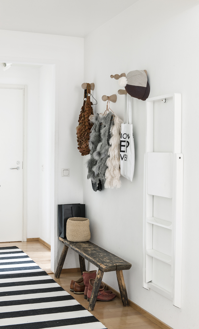 Prop styling decorating editor for Interieur stylist